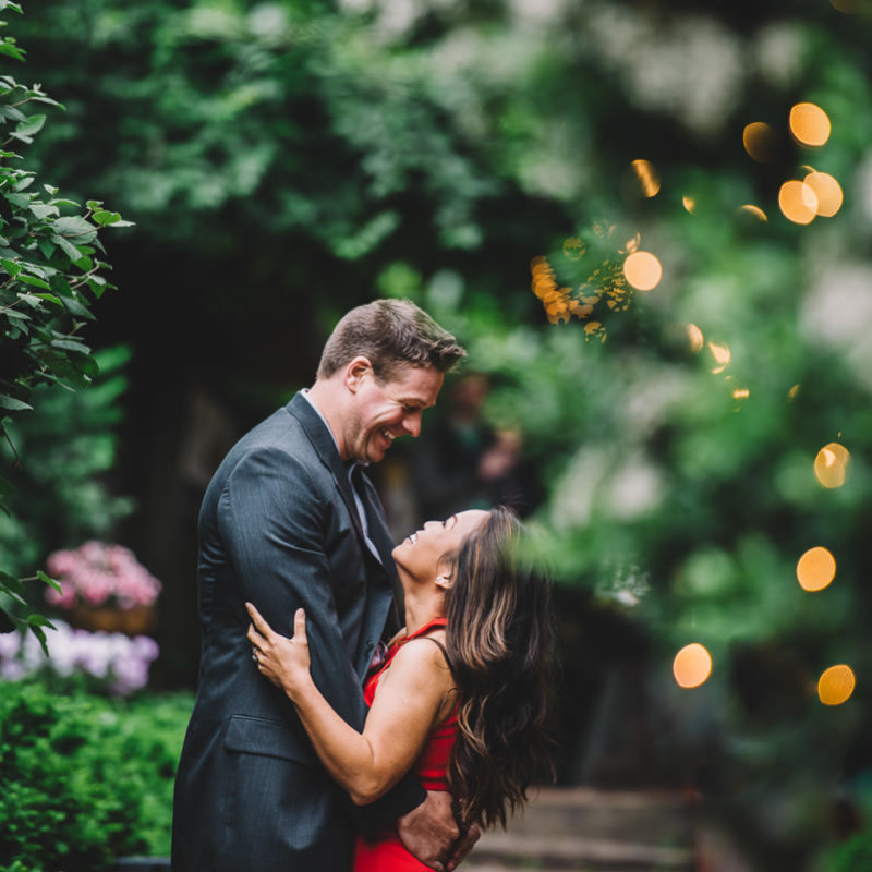 Artistic use of lighting in Columbus Ohio engagement photography