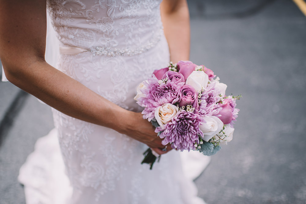 Cleveland Brides Flowers For Her Cleveland Wedding