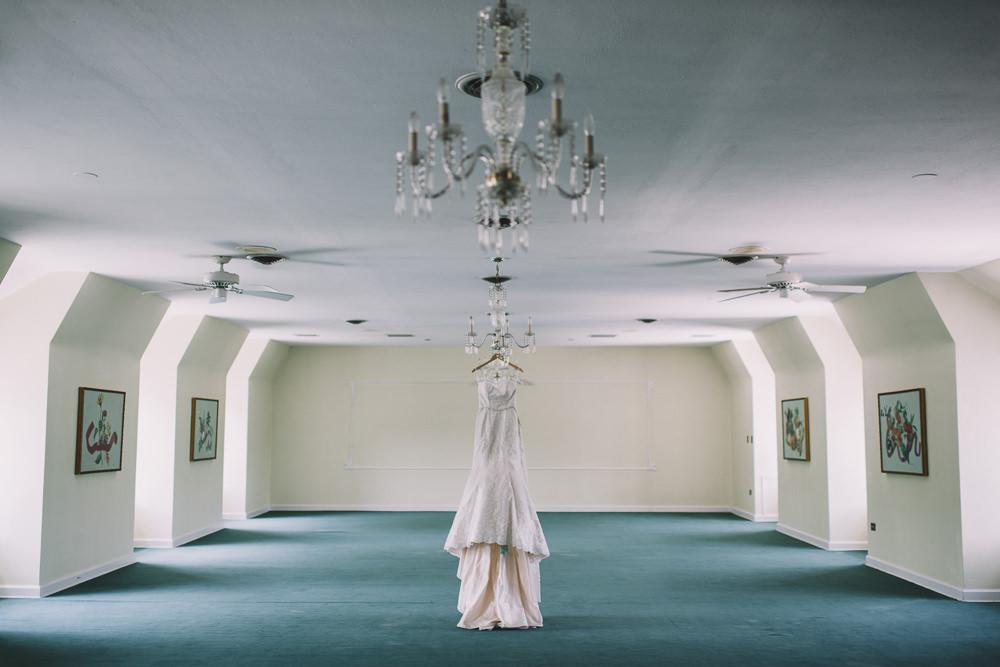 Cleveland Bride S Wedding Dress At Manakiki Golf Course
