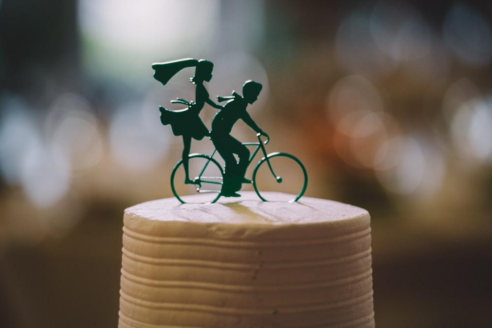 bicycle wedding cake at station 67 wedding photography in columbus ohio
