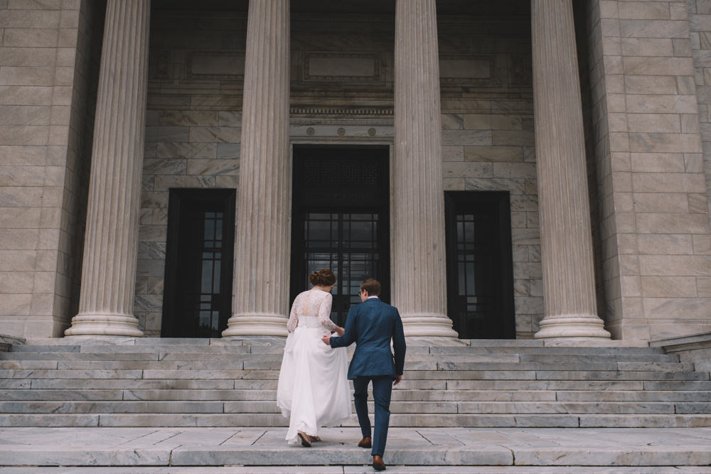 Intimate Wedding photography the Cleveland Museum of Art