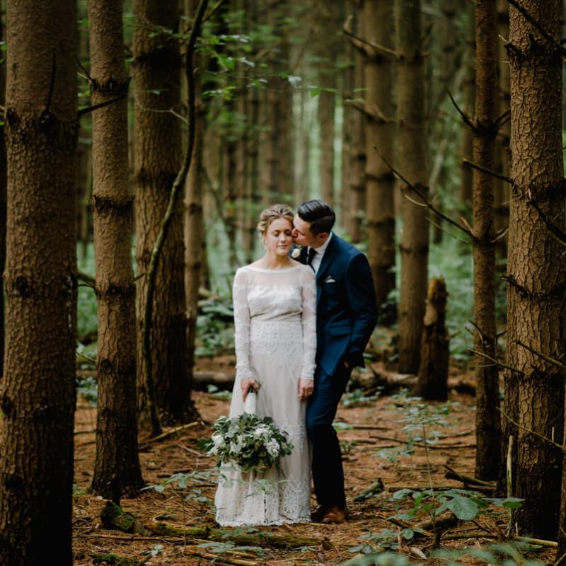Oak Grove Wedding Photography at Jorgensen Farms \\ Kelly & Kevin